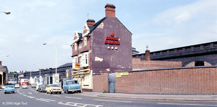 Leicester GCR viaduct, West End Inn (Pump & Tap), Dunns Lane
